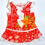 Красное платье с жабо для Gotz Aquini перед