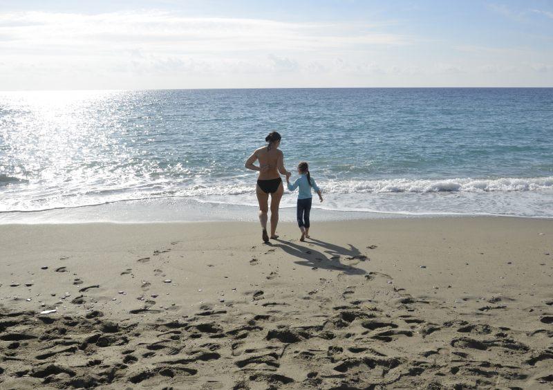 Бежим помочить ножки в морской воде на Крещение (19.01.2014)