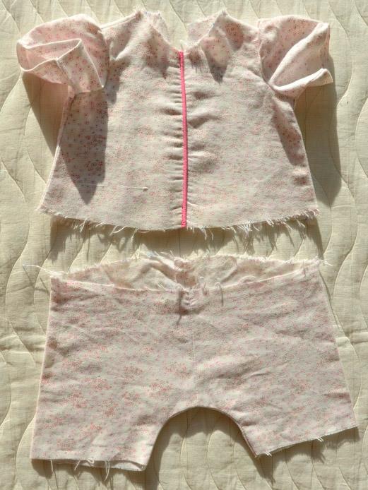 Пижамка для куклы Адора. До этой стадии дошили на детской швейной машинке, перед лицевая сторона.