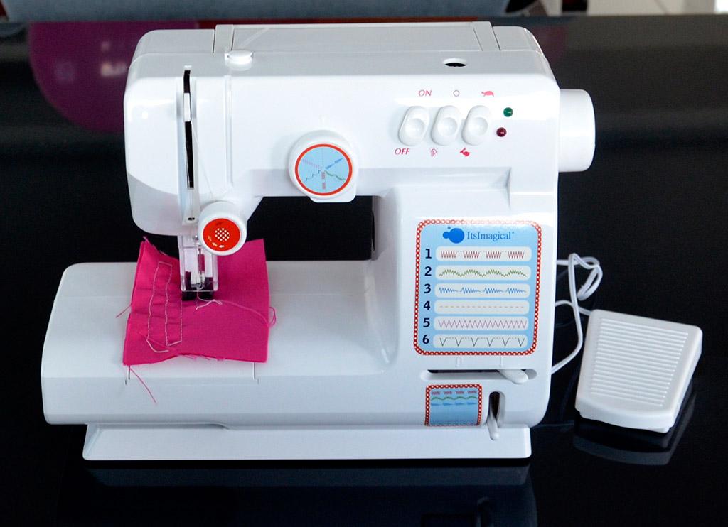 Детская швейная машинка от Imaginarium