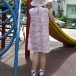 """Платье """"Английские песенки"""" на дочке, вид сзади. Бурда """"Детская мода"""" 2012, мод. 641"""