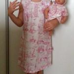 """Платье """"Английские песенки"""" на дочке, вид спереди. Бурда """"Детская мода"""" 2012, мод. 641"""