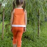 Оранжевые лосины и майка на дочке, спинка. Оттобре №6-2011 и №3-2013 соответственно.