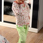 "Пижама ""Вишневое варенье"" для дочки. Оттобре: футболка №1-2013, мод.21; брюки №4-2013, мод. 27"
