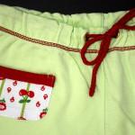 """Пижама """"Вишневое варенье"""", кармашки и пояс. Оттобре: футболка №1-2013, мод.21; брюки №4-2013, мод.27"""