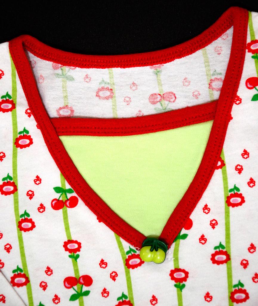 "Пижама ""Вишневое варенье"", горловина. Оттобре: футболка №1-2013, мод.21; брюки №4-2013, мод.27"