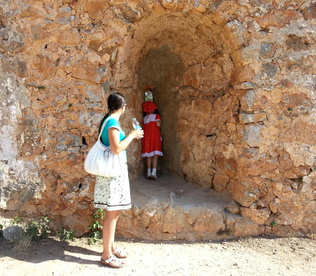 Сентябрь 2013. Крепостные стены Крепости Алания.