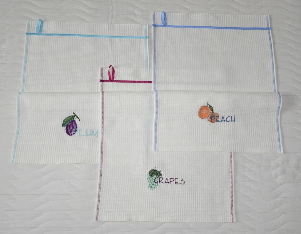Вышитые кухонные полотенчики. Фрукты из сада