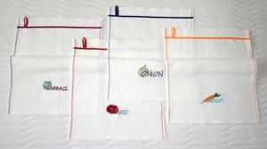Вышитые кухонные полотенчики. Овощи