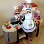Фартук и поварской колпак с вышивкой для дочки