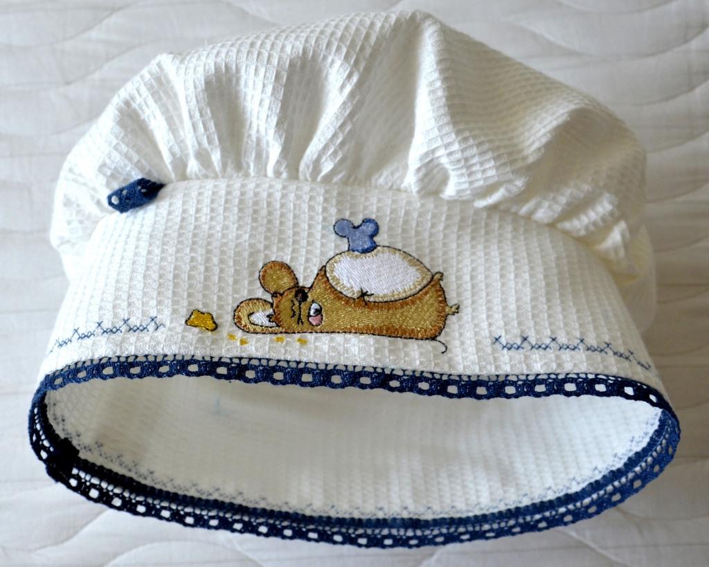 """Поварской колпак с вышивкой """"уставшая мышка-повар"""" для дочки"""