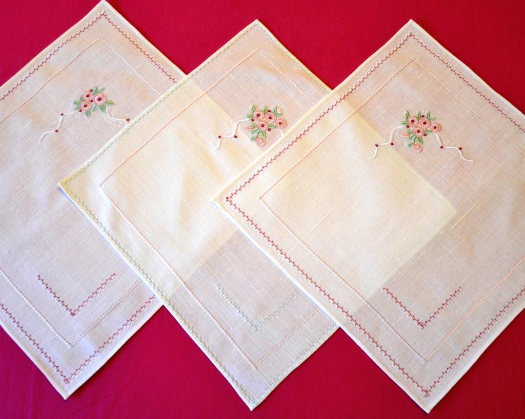 Льняные салфетки с вышивкой