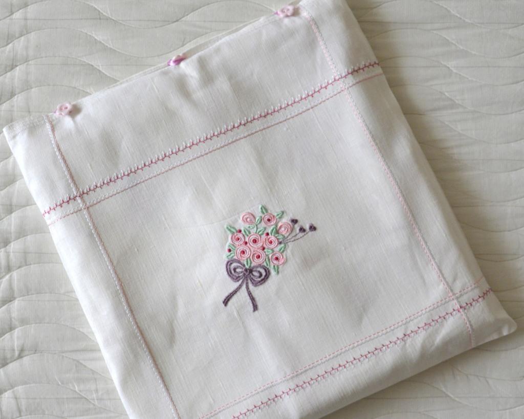 """Льняная подарочная """"наволочка"""" для скатерти с салфетками с вышивкой"""