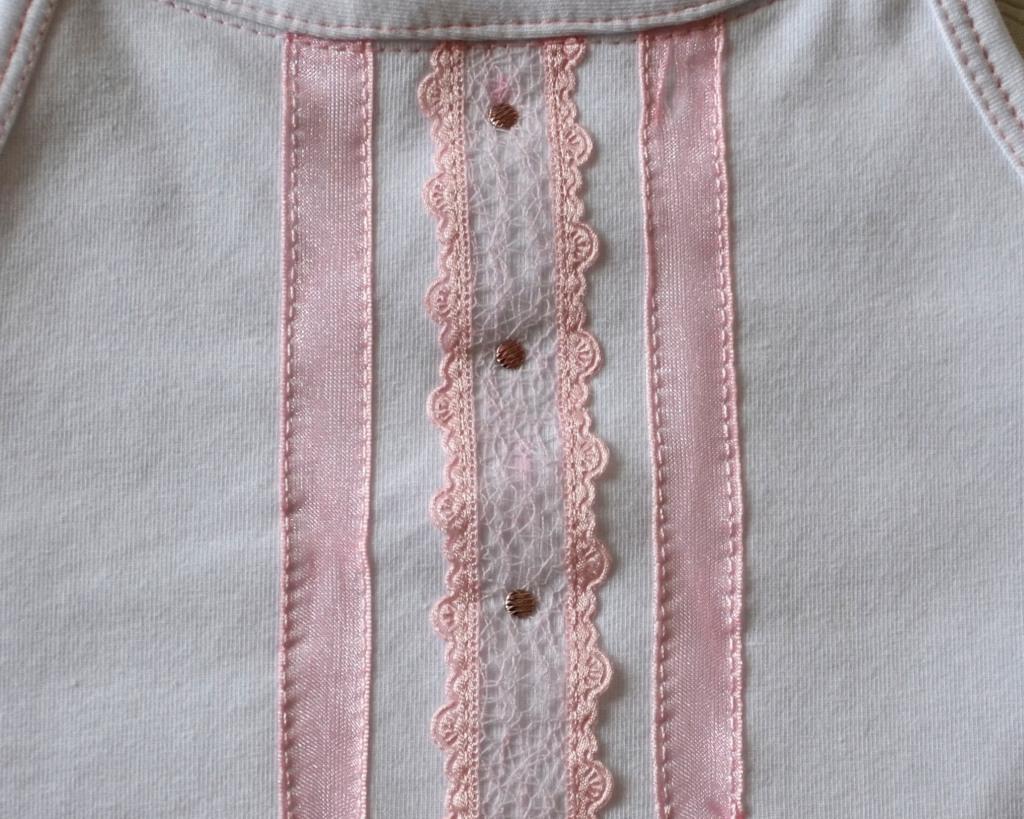 Декор маечки для дочки, Оттобре №1-2013, мод. 22