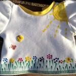 Разрисованная вручную акриловыми красками футболка