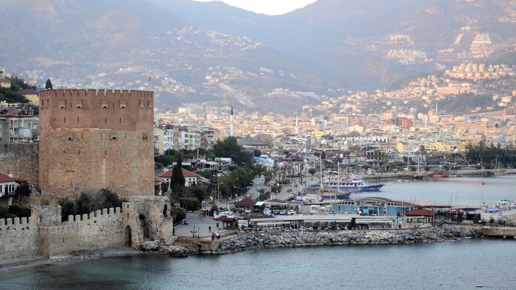 Крепость Аланья и вид на набережную, Турция