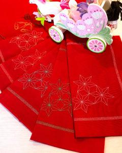 Новогодняя скатерть с салфетками фото