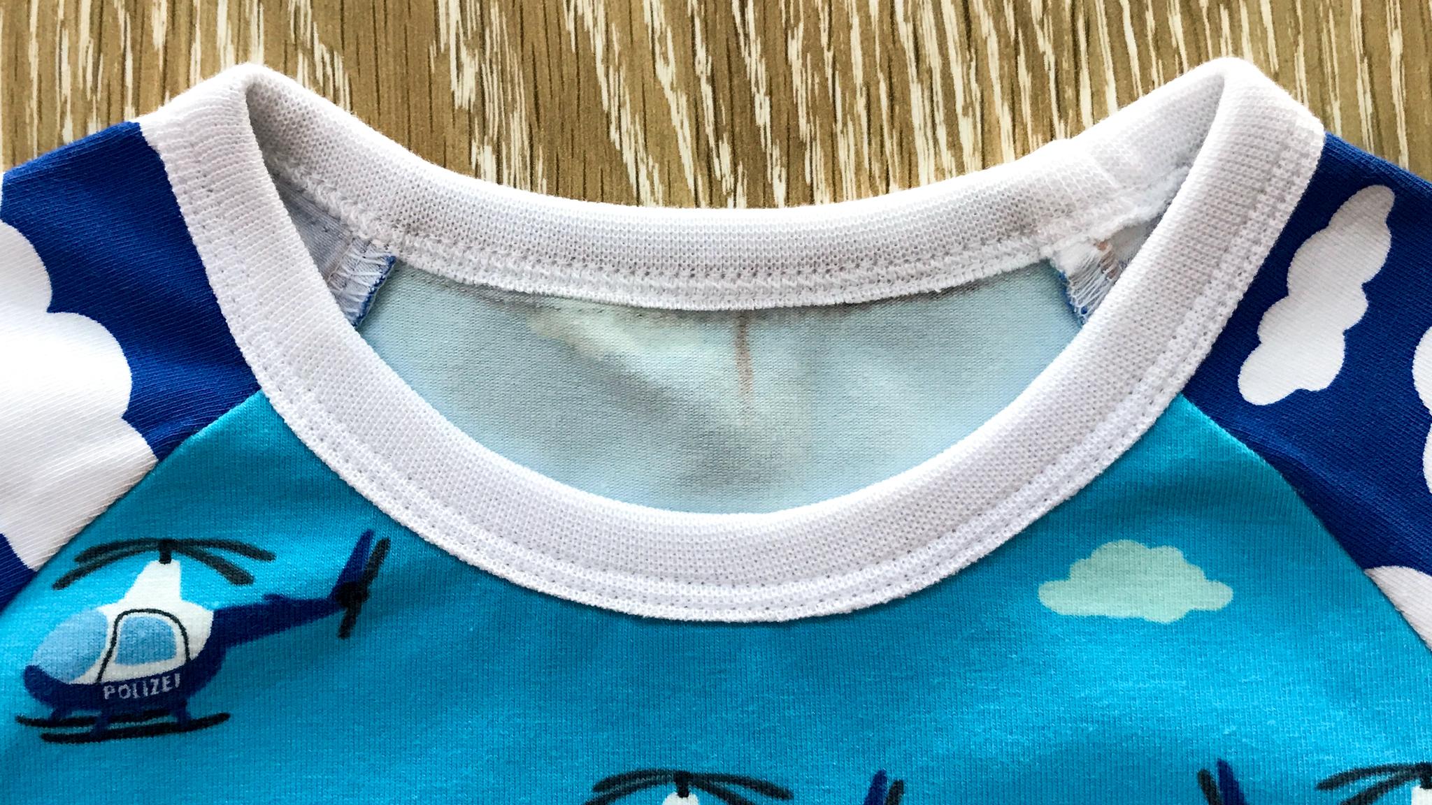 Обработка горловины футболки фото